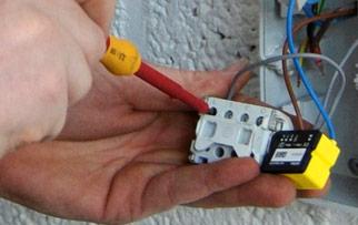 ONE domotica kan je zelf installeren zonder te moeten breken !